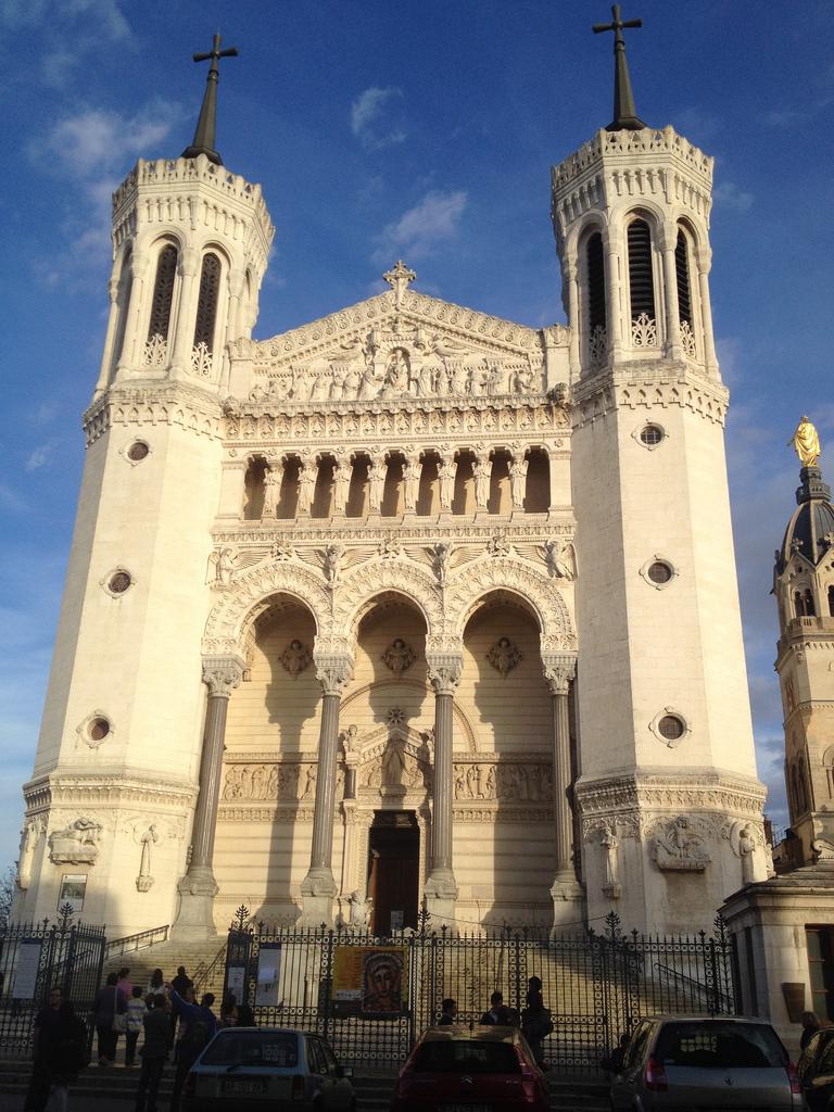 La Basilique de Notre Dame de Fourvière photo