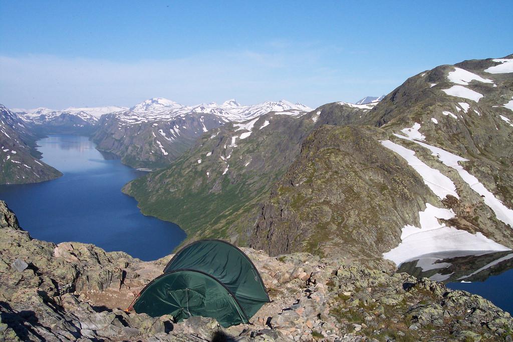 Camping über dem Fjord, Norwegen