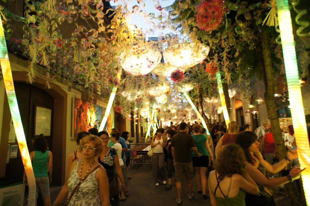gracia barcelona fiesta photo
