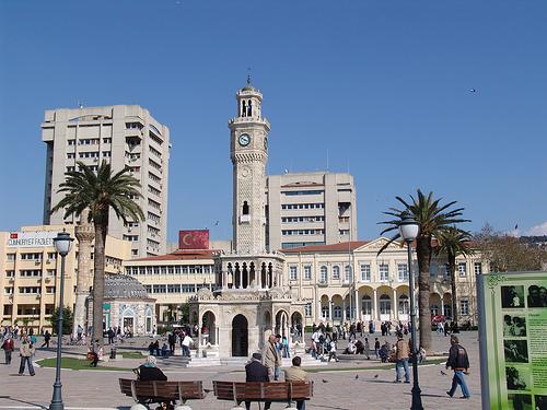 Izmir Konak - Platz