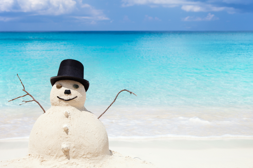 Viele wollen dem deutschen Winter entfliehen - also ab in den Urlaub und Sonne tanken © istock.com/cdwheatley